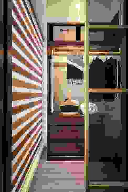 Dressing moderne par 你你空間設計 Moderne