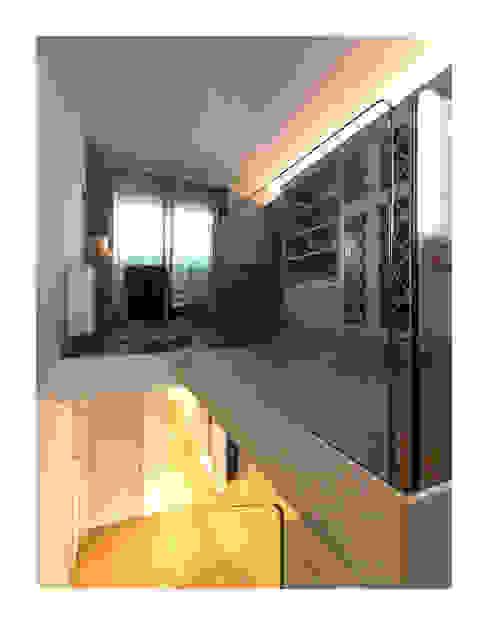 Koridor dan lorong by Zeno Pucci+Architects