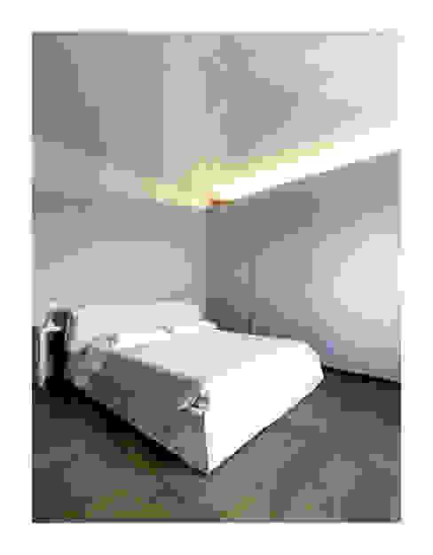 Kamar Tidur by Zeno Pucci+Architects