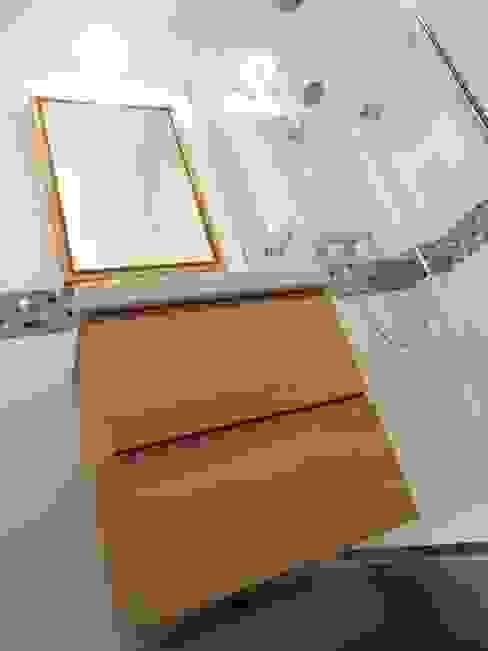 Minimalistische Badezimmer von Sandrine Carré Minimalistisch