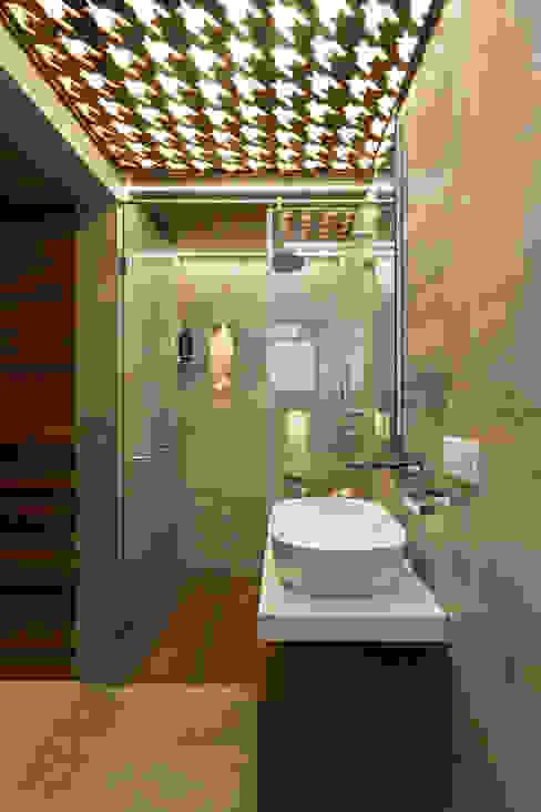 Bathroom Modern bathroom by The design house Modern Tiles