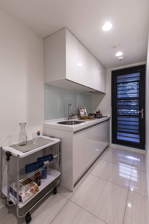簡潔俐落 Classic style kitchen by 你你空間設計 Classic