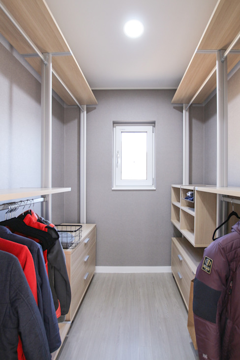 Dressing room by homify, Modern
