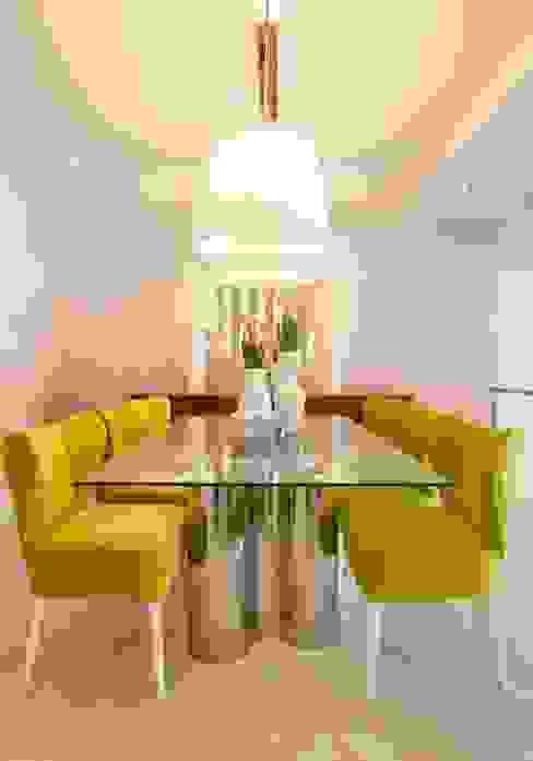Comedores de estilo  por Interdesign Interiores,