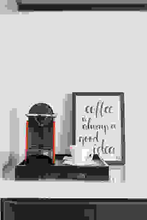 Modern style kitchen by Carpaneda & Nasr Modern