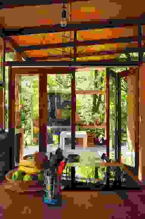 Ruang Makan Gaya Industrial Oleh Guadalupe Larrain arquitecta Industrial