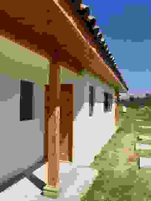 Casa Las Palmeras de Lonquén: Casas de estilo  por AtelierStudio