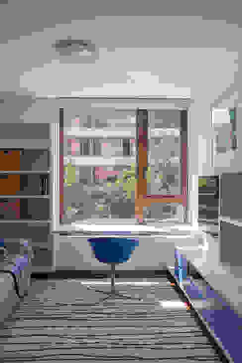 escritorio Oficinas y bibliotecas de estilo ecléctico de Thomas Löwenstein arquitecto Ecléctico Madera Acabado en madera