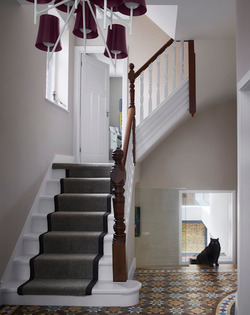 Church Crescent Staircase Modern Corridor, Hallway and Staircase by Andrew Mulroy Architects Modern