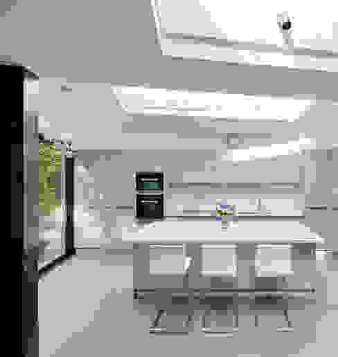 Wood Lane Kitchen Modern Kitchen by Andrew Mulroy Architects Modern