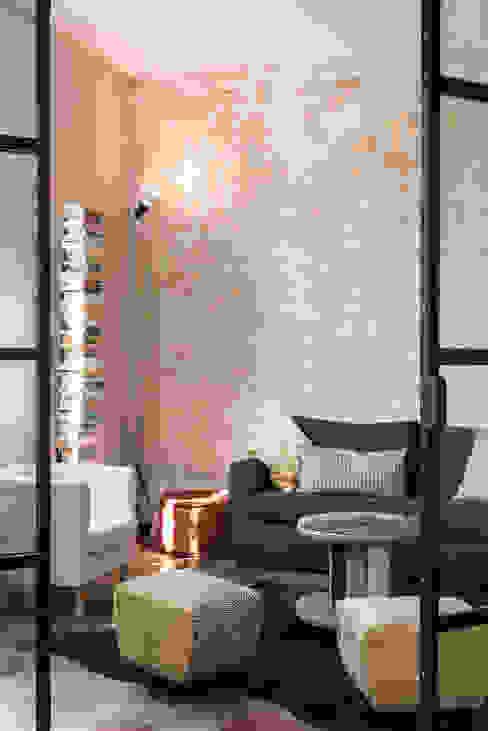 Salon de style  par Caterina Raddi, Industriel