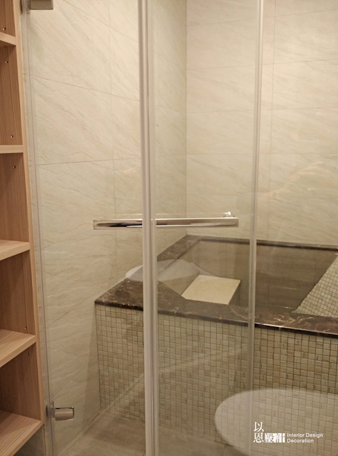 共用衛浴 現代浴室設計點子、靈感&圖片 根據 以恩設計 現代風
