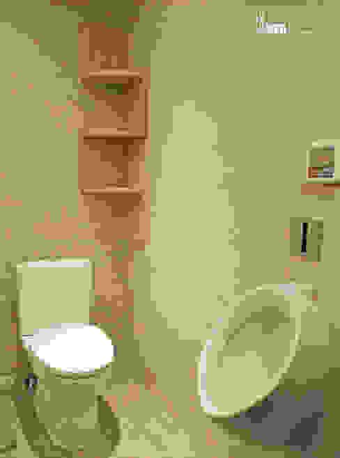 共用衛浴 現代浴室設計點子、靈感&圖片 根據 以恩室內裝修設計工程有限公司 現代風