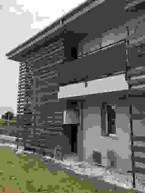 balconi protetti italedil srl Case moderne Metallo Grigio