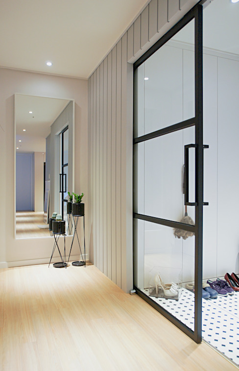 Corridor & hallway by 위드디자인