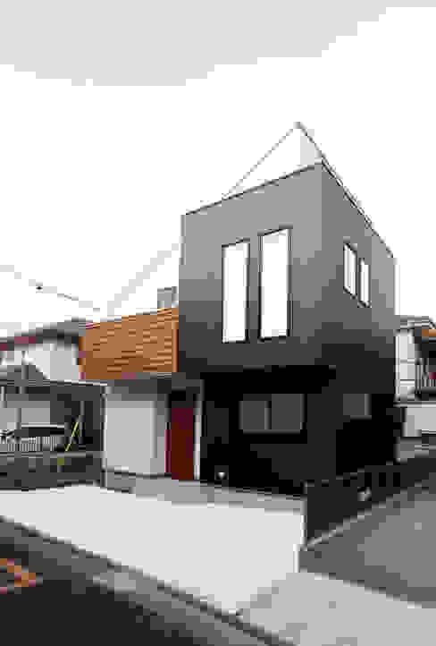 練馬の杜~抜~: 株式会社ハウジングアーキテクト建築設計事務所が手掛けたバルコニー&ベランダ&テラスです。