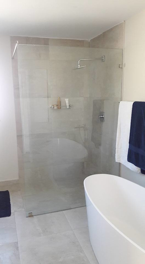 Diepenbrook residence renovation in Woodmead.:  Bathroom by Big A Contractors