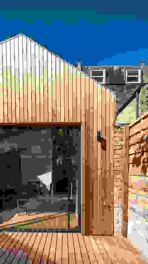 OLDFIELD ROAD Modern houses by Bradley Van Der Straeten Architects Modern Wood Wood effect