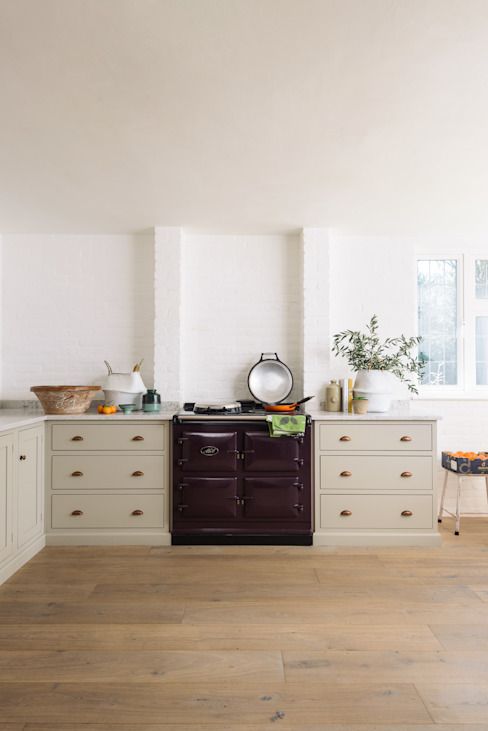 The Surrey Kitchen by deVOL : rustic  by deVOL Kitchens, Rustic Wood Wood effect