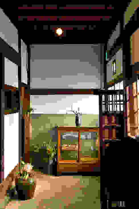 株式会社SHOEI 隨意取材風玄關、階梯與走廊