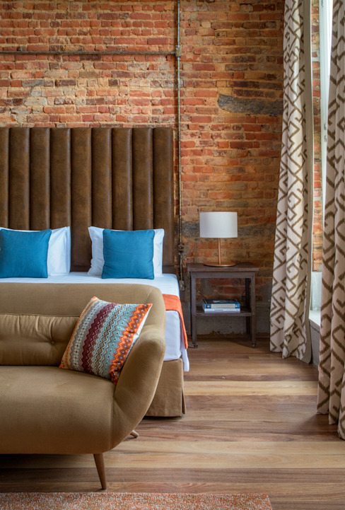 Industrial style hotels by homify Industrial
