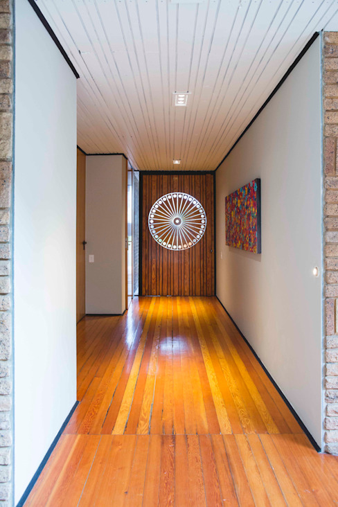 Modern corridor, hallway & stairs by Swart & Associates Architects Modern