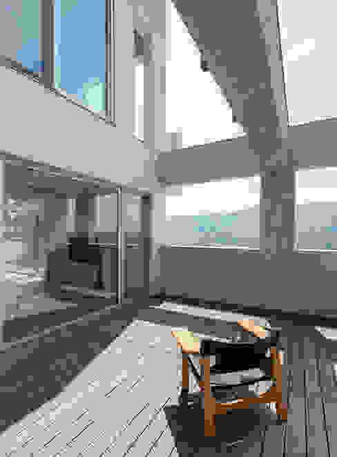 陽明山鄭宅   House C:  露臺 by  何侯設計   Ho + Hou Studio Architects