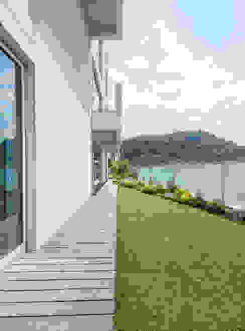 陽明山鄭宅   House C:  庭院 by  何侯設計   Ho + Hou Studio Architects