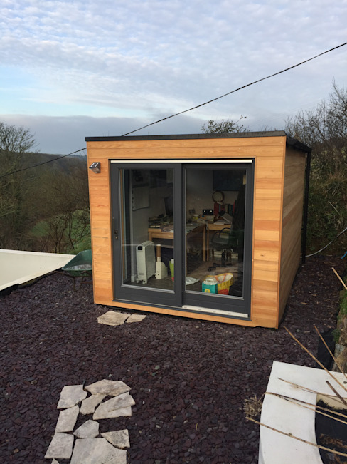 Finished Garden Room Modern garage/shed by Building With Frames Modern Wood Wood effect