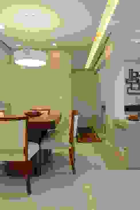 Sala de Jantar integrada com a Sala de Estar Salas de jantar modernas por homify Moderno MDF