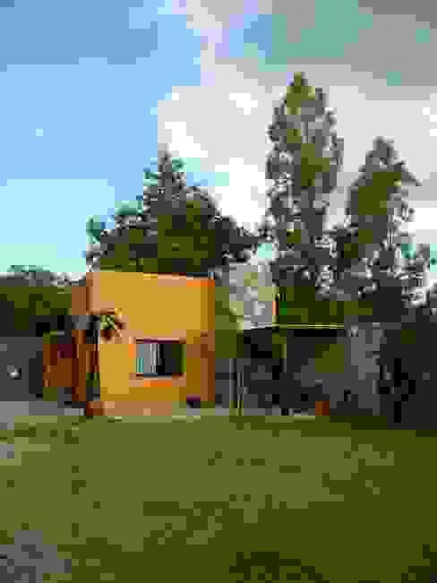 Jardines de estilo rústico de Alberto M. Saavedra Rústico