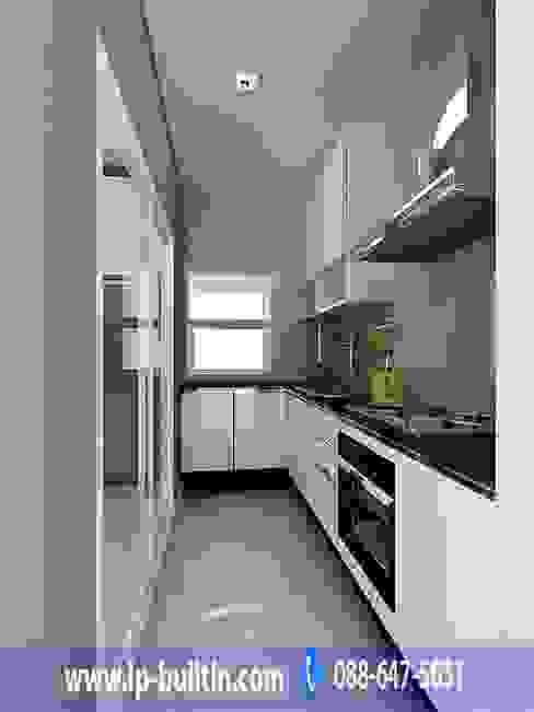 ตกแต่งภายใน ห้องครัว โดย IP BUILT IN