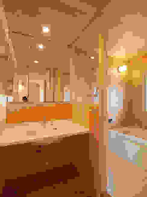i think一級建築設計事務所 BathroomStorage Wood Wood effect