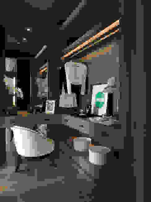靜心文匯 現代房屋設計點子、靈感 & 圖片 根據 大觀室內設計工程有限公司 現代風