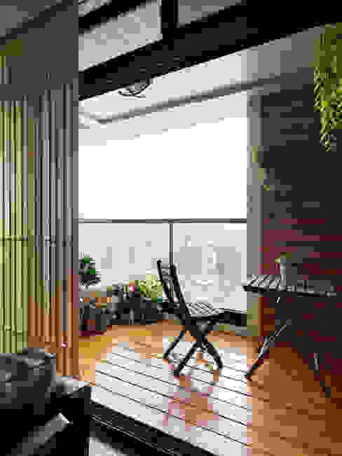 Terrasse de style  par 星葉室內裝修有限公司,