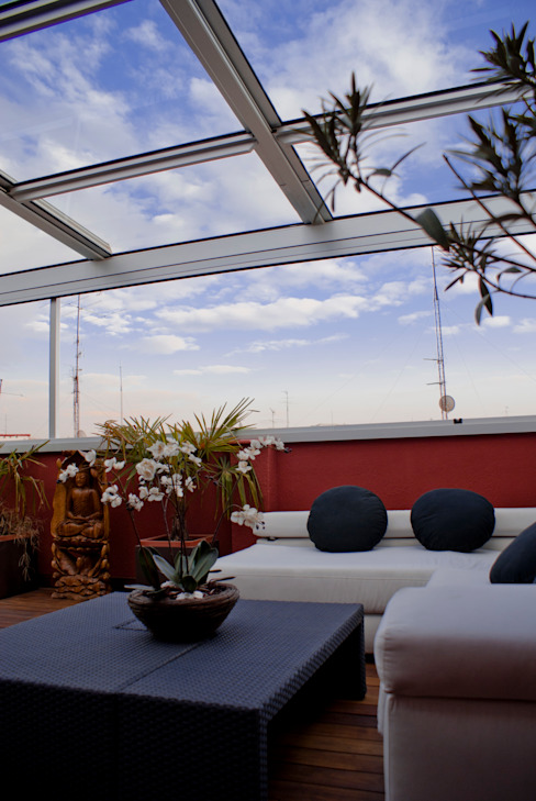 Modern balcony, veranda & terrace by homify Modern