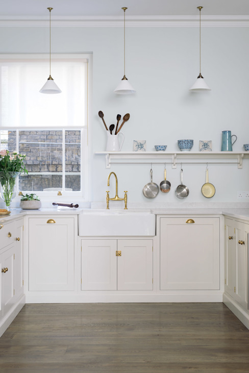 The SW1 Kitchen by deVOL Classic style kitchen by deVOL Kitchens Classic Wood Wood effect