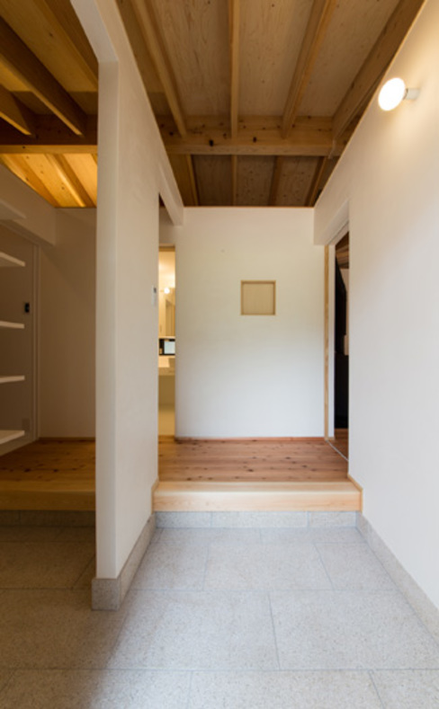 O-邸 田村淳建築設計事務所 オリジナルスタイルの 玄関&廊下&階段
