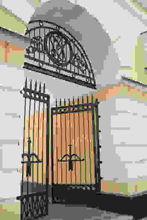 Balcones y terrazas de estilo clásico de RedArt.Vip Clásico
