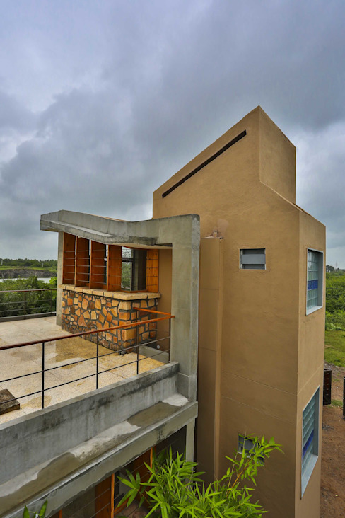 Villa Aaranyak Modern houses by prarthit shah architects Modern