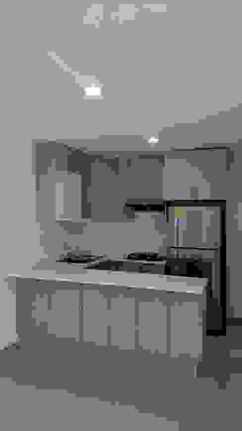 Remodelacion Despacho de Contadores H+R ARQUITECTOS Cocinas modernas