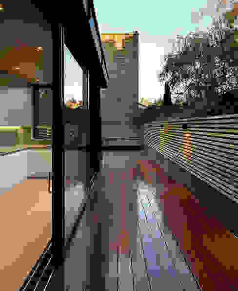 St Paul Street Minimalistische tuinen van Ciarcelluti Mathers Architecture Minimalistisch Massief hout Bont