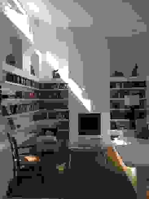 Casa La Punta Livings de estilo rústico de Grupo E Arquitectura y construcción Rústico