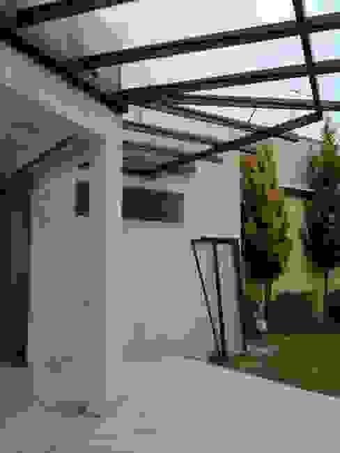 Casas de estilo  por FORMAS ARQUITECTURA