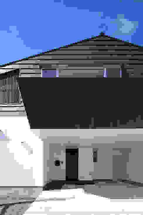 Modern Houses by ㈱ライフ建築設計事務所 Modern