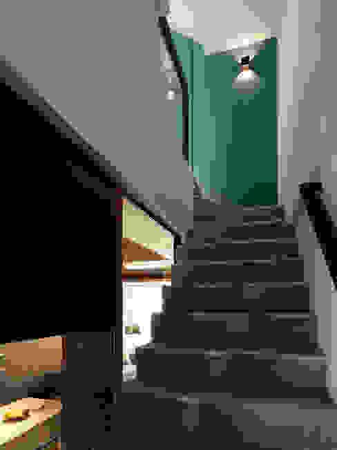 竹風低吟 白金里居 空間設計 現代風玄關、走廊與階梯