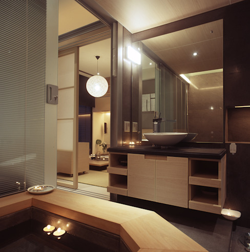 Minimalist style bathrooms by 鼎爵室內裝修設計工程有限公司 Minimalist Solid Wood Multicolored