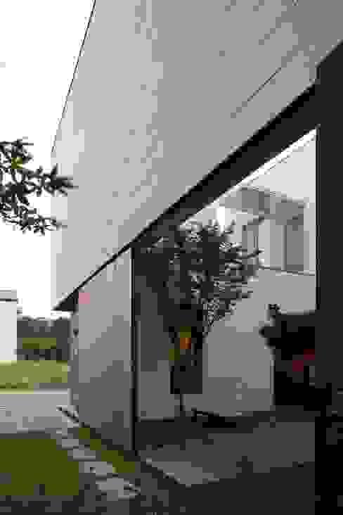 Rumah Modern Oleh 아키누스(건축동인) 건축사사무소 Modern