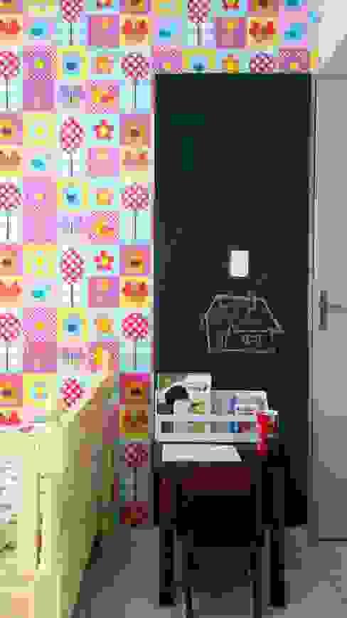 Depois - quarto de menina colorido PRISCILLA BORGES ARQUITETURA E INTERIORES Quarto infantil eclético