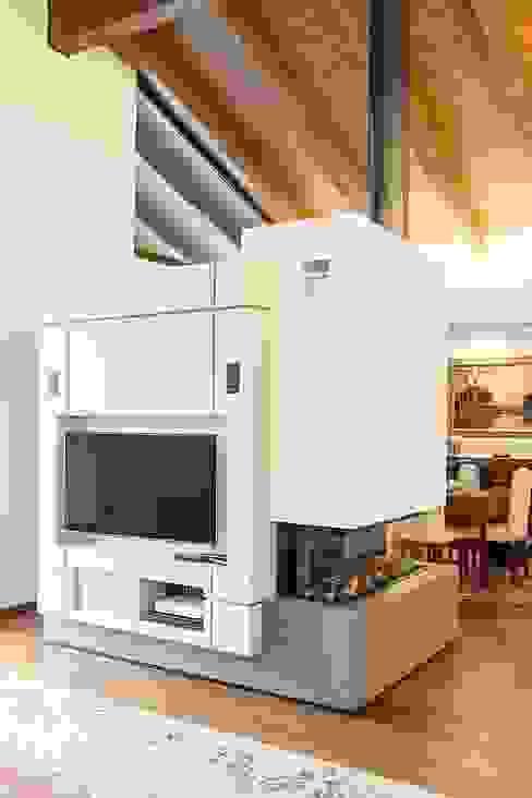 Salas de estilo  por Mariapia Alboni architetto,
